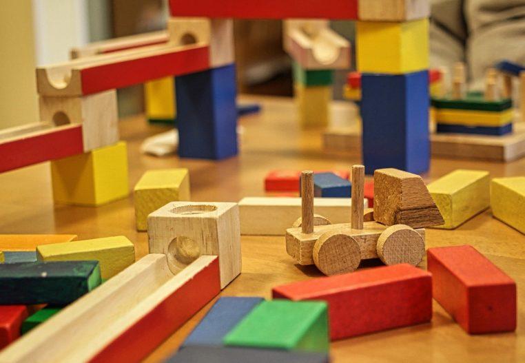 zabawki montessori